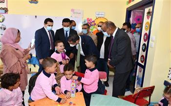 محافظ-الفيوم-يتفقد-مدارس-المبادرة-الرئاسية-;حياة-كريمة;-بإطسا-|-صور