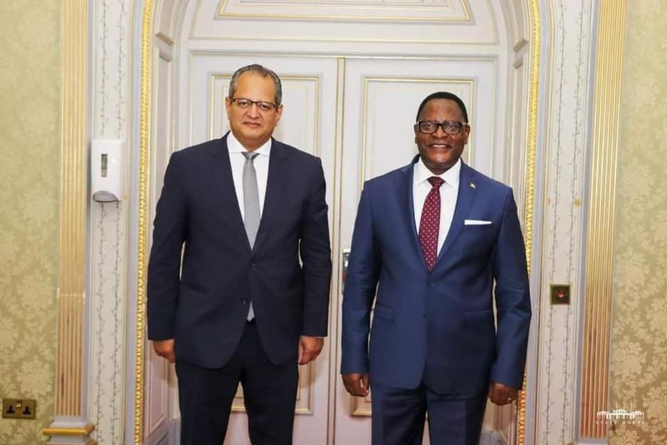 سفير مصر في ليلنجواي يُقدّم أوراق اعتماده إلى رئيس مالاوي