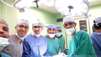 مستشفى-أسوان-الجامعي-يستخرج-هاتفًا-من-معدة-مريض-بعد-إجراء-عملية-جراحية- صور-