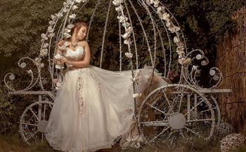 من-الأدب-الفرنسي-إلى-الموضة-هالة-فؤاد-أتمنَّى-تصميم-فستان-زفاف-من-التُّلِّي-|-حوار