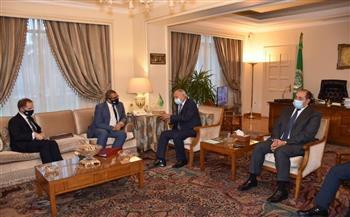 الأمين-العام-للجامعة-العربية-يستقبل-وزير-الدولة-البريطاني-لشؤون-الشرق-الأوسط-وشمال-إفريقيا