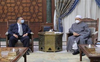 الإمام-الأكبر-تربطنا-بماليزيا-علاقات-تاريخية-وطلابها-نموذج-يحتذى-به-في-الالتزام