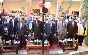 رئيس-جامعة-الأقصر-يشهد-حفل-استقبال-الطلاب-الجدد-بكلية-الألسن