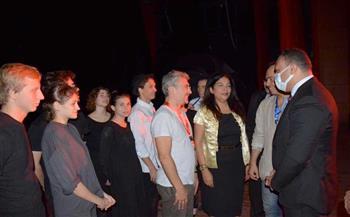 نائب-محافظ-الدقهلية-يحضر-عرض-فرقة-المعهد-الروسي-لفنون-المسرح-بقصر-ثقافة-المنصورة-