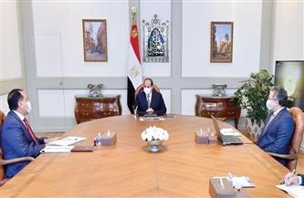 الرئيس السيسي يجتمع مع رئيس الوزراء ووزير السياحة والآثار