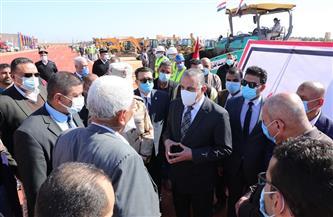 الفقي يتفقد اصطفاف المعدات المشاركة في تطوير 181 قرية بسوهاج| صور