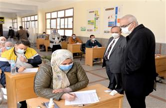 رئيس جامعة المنصورة يتفقد مراحل تجهيز مراكز الاختبارات الإلكترونية بكليات الطب والصيدلة والهندسة| صور
