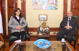 وزيرة الهجرة تبحث التعاون مع لجنة المساعدات الإنسانية بالكويت لمساعدة المصريين بالخارج | صور
