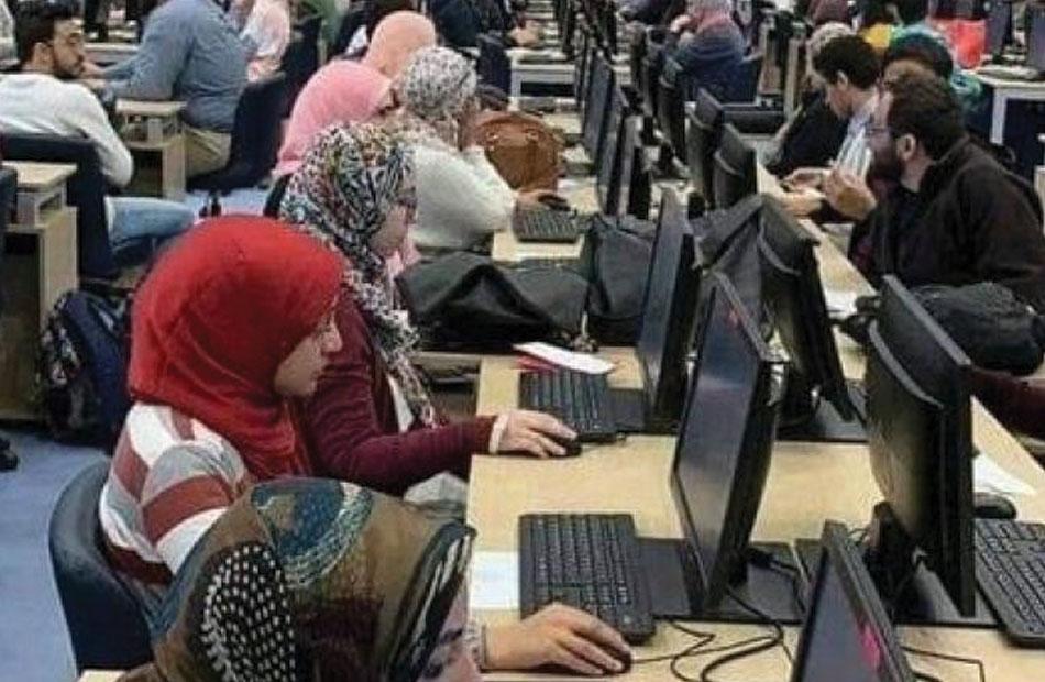 ألف طالب يسجلون رغبات القبول بالجامعات بتنسيق الشهادات الفنية