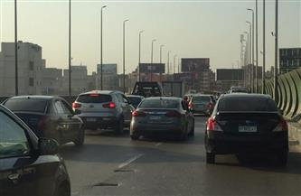 كثافات مرورية بمعظم طرق ومحاور العاصمة.. وخدمات مكثفة أعلى أكتوبر وصلاح سالم | صور