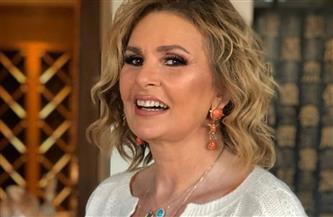 رسالة يسرا لسماح أنور بعد إهدائها الدورة الأولى من مهرجان «أفلمها» | فيديو