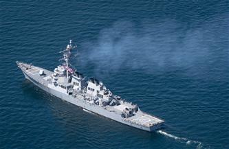 """موسكو تدعو واشنطن للكف عن """"استعراض السلاح"""" في البحر الأسود"""