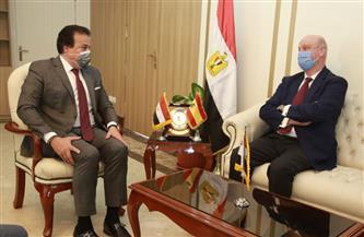 وزير التعليم العالي يبحث إنشاء فروع للجامعات الإسبانية في مصر |صور