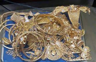 التحقيق مع المتهم بسرقة مشغولات ذهبية وعرضها للبيع في الجمالية