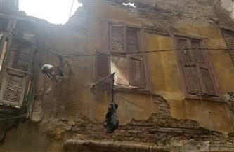إزالة عقار قديم مكون من 3 طوابق في كرموز| صور
