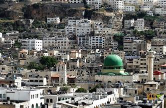 إصابة عدد من الفلسطينيين بالاختناق أثناء تصديهم لهجوم مستوطنين جنوب نابلس