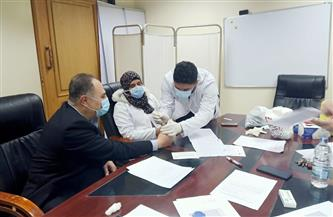 جامعة عين شمس تبدأ في تطعيم  الأطقم الطبية بمستشفيات العزل بلقاح كورونا| صور