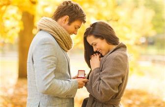 هل التصريح بكلمات الحب بين المخطوبين حرام؟