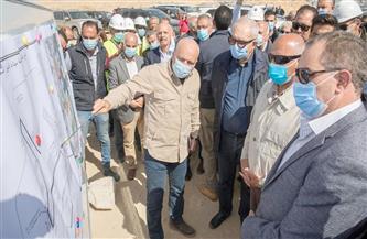 وزير النقل يتفقد ميناء السويس لمتابعة أعمال إنشاء أرصفة ومحطات وأحواض جديدة | صور