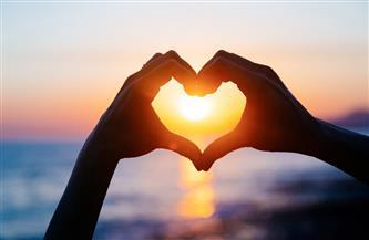 في «الفلانتين».. ما هو الحب من وجهة نظر الطب النفسي وماذا يفعل بالإنسان؟