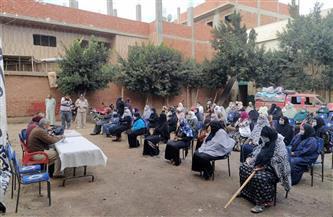 توزيع مساعدات مالية وبطاطين على 100 أسرة أكثر احتياجا في قطور بالغربية | صور