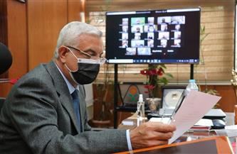 رئيس جامعة المنوفية يجتمع بعمداء الكليات إلكترونيا لمتابعة الاستعدادات للامتحانات | صور