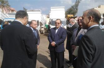 نائب محافظ شمال سيناء يشهد اصطفاف معدات وأفراد شركة النظافة بالعريش | صور