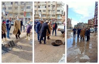 محافظ كفر الشيخ يتفقد أحياء وشوارع العاصمة لمتابعة أعمال رفع مياه الأمطار| صور