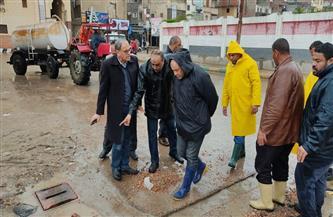 محافظ البحيرة: 150 فريق عمل يشاركون فى إزالة أثار الأمطار بالمحافظة   صور