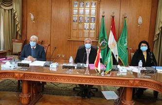 رئيس جامعة المنوفية يرأس لجنة اختيار عميد كلية التربية النوعية | صور