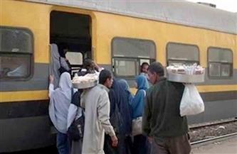 الحبس سنتين وغرامة 10 آلاف للباعة الجائلين في القطارات.. والنقل تناشد المواطنين بالإبلاغ عنهم