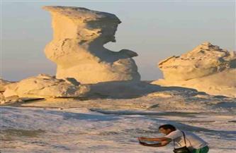 الجارديان تتغزل في جمال الطبيعة بجبال الصحراء البيضاء