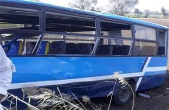 مصرع وإصابة 50 شخصا في حادث تصادم أتوبيس بشاحنة بأسوان