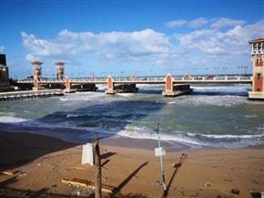 هدأت العواصف وسطعت الشمس.. تحسن نسبي في الطقس بالإسكندرية| صور