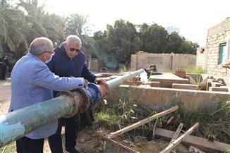 محافظ الوادي الجديد يتفقد منظومة التحكم عن بعد في تصرفات مياه الآبار | صور