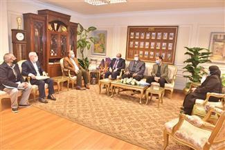 محافظ أسيوط يلتقي رئيس هيئة الإصلاح الزراعي