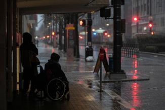 العواصف تضرب الولايات المتحدة وتتسبب في مقتل شخصين وإصابة آخرين