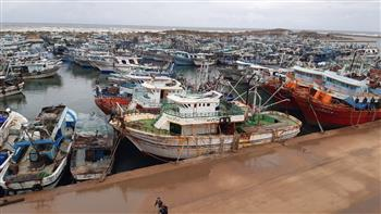 توقف حركة الملاحة لليوم الثالث بميناء الصيد بالبرلس في كفرالشيخ | صور
