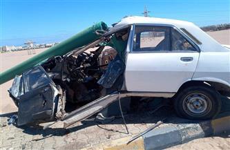 إصابة شخصين في تصادم سيارة ملاكي بعامود إنارة بالغردقة | صور