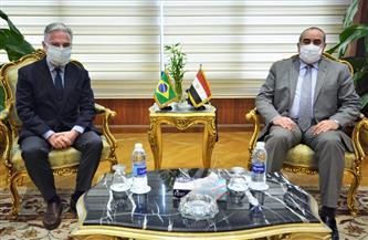 وزير الطيران المدني يستقبل سفير البرازيل بالقاهرة |صور