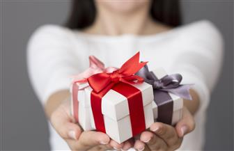 فن وإتيكيت اختيار هدية للحبيب