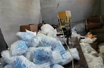 ضبط 200 ألف قطعة كمامة غير مطابقة للمواصفات داخل مصنع في الغربية