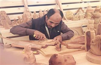 """""""نحات الوادي الجديد"""" عادل محمود يروي أسرار المهنة وذكرياته معها"""