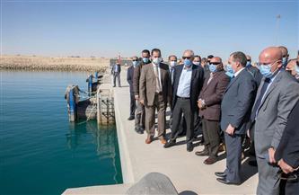 وزير النقل يتفقد ميناء السخنة لمتابعة أعمال التطوير البالغ تكلفتها 20 مليار جنيه   صور