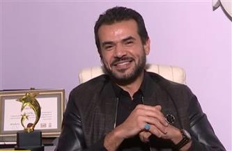 """""""سامو زين"""" يرد على سؤال بشأن تقليده لبعض المغنيين ومنهم محمد رمضان  فيديو"""