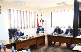محافظ بورسعيد يترأس اجتماع مجلس إدارة المنطقة الصناعية | صور