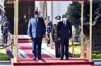 الموقع الرئاسي ينشر فيديو وصور استقبال الرئيس السيسي نظيره الكونغولى