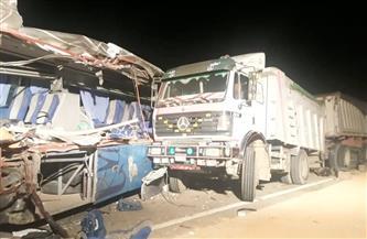 بالأسماء.. مصرع 9 أشخاص وإصابة 6 في حادث تصادم بطريق السويس | صور
