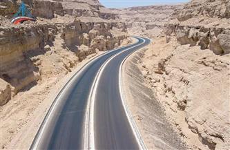 شرايين التنمية بالصعيد.. طريق أسيوط - سوهاج أحد محاور المشروع القومي للطرق | صور