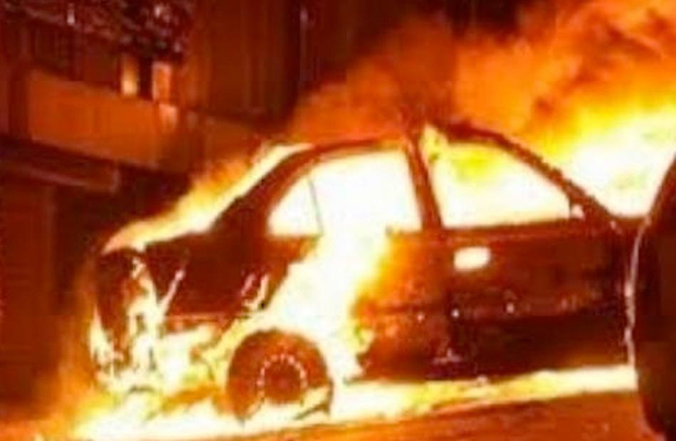 مصدر أمني ارتفاع حرارة الماتور وراء اشتعال النيران في سيارة أعلى كوبري أكتوبر
